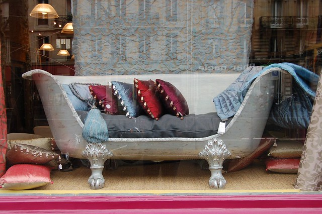 Clawfoot Bathtub Couch 500 x 332