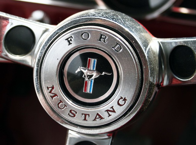 1966 mustang steering wheel center logo. Black Bedroom Furniture Sets. Home Design Ideas
