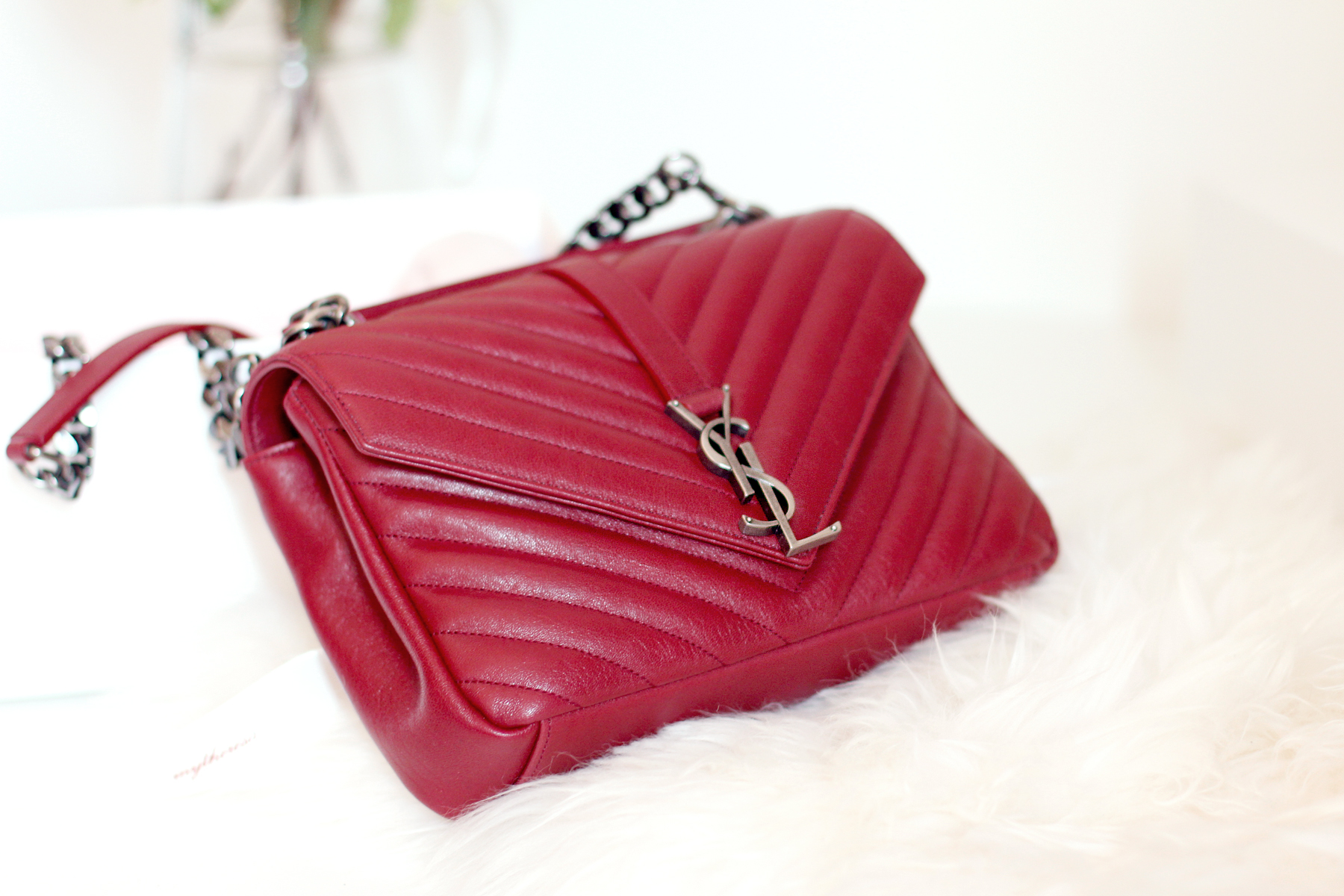 YSL Saint Laurent Paris Classic Monogramme Flap Bag Red Toss Or Take fashionblogger germanblogger cats & dogs ricarda schernus styleblogger accessoires düsseldorf berlin 1