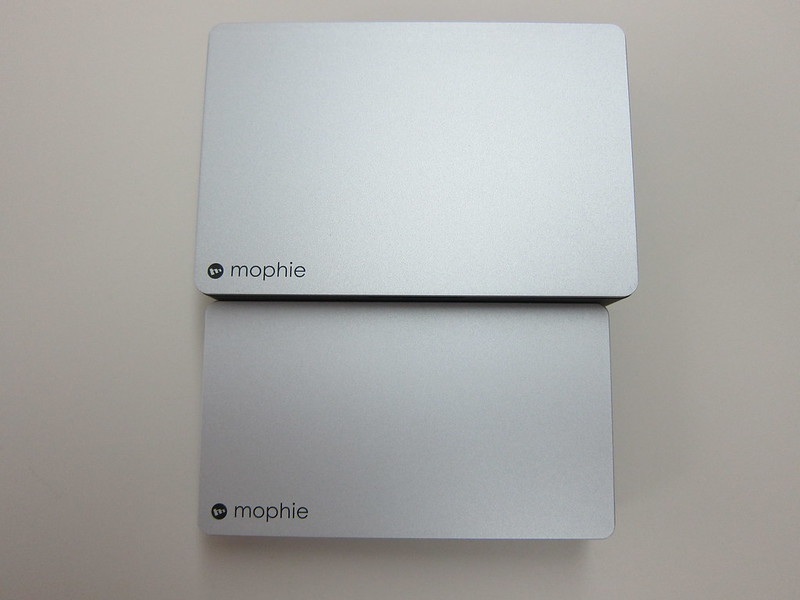 Mophie Powerstation Plus (12,000mAh) vs Mophie Powerstation Plus (5,000mAh)