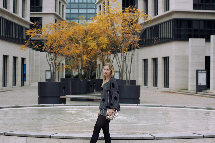 outfit autumn grey dark cozy blonde blogger frankfurt tights asos