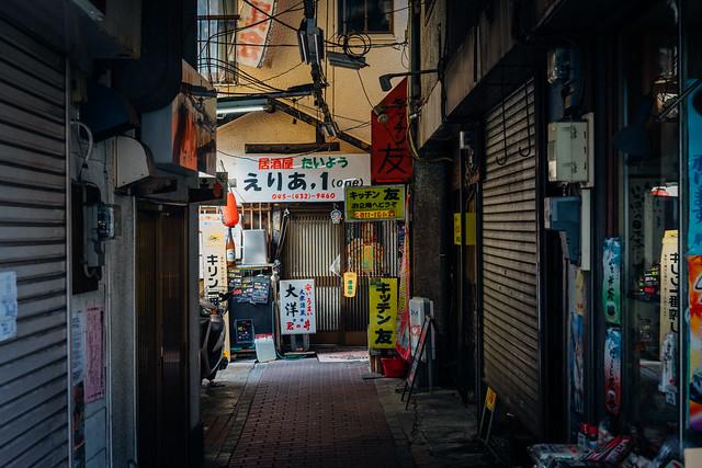Rokkaku_Nakamise_02