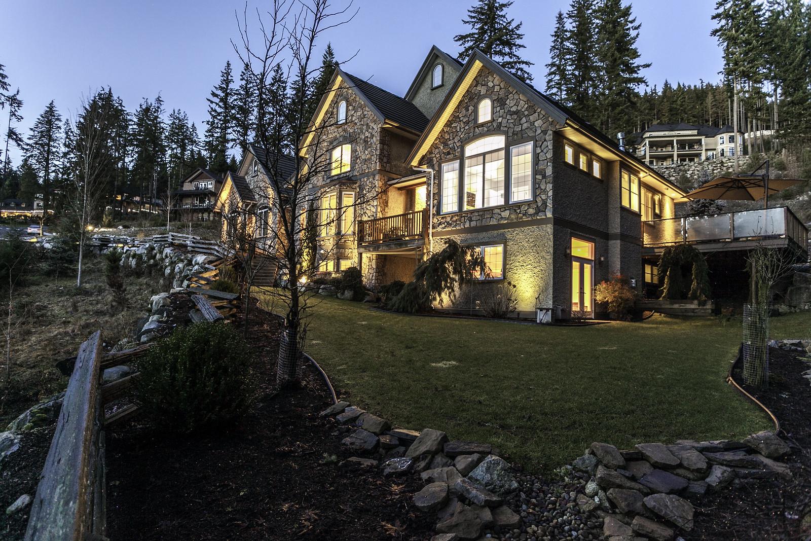 RealEstate (10)