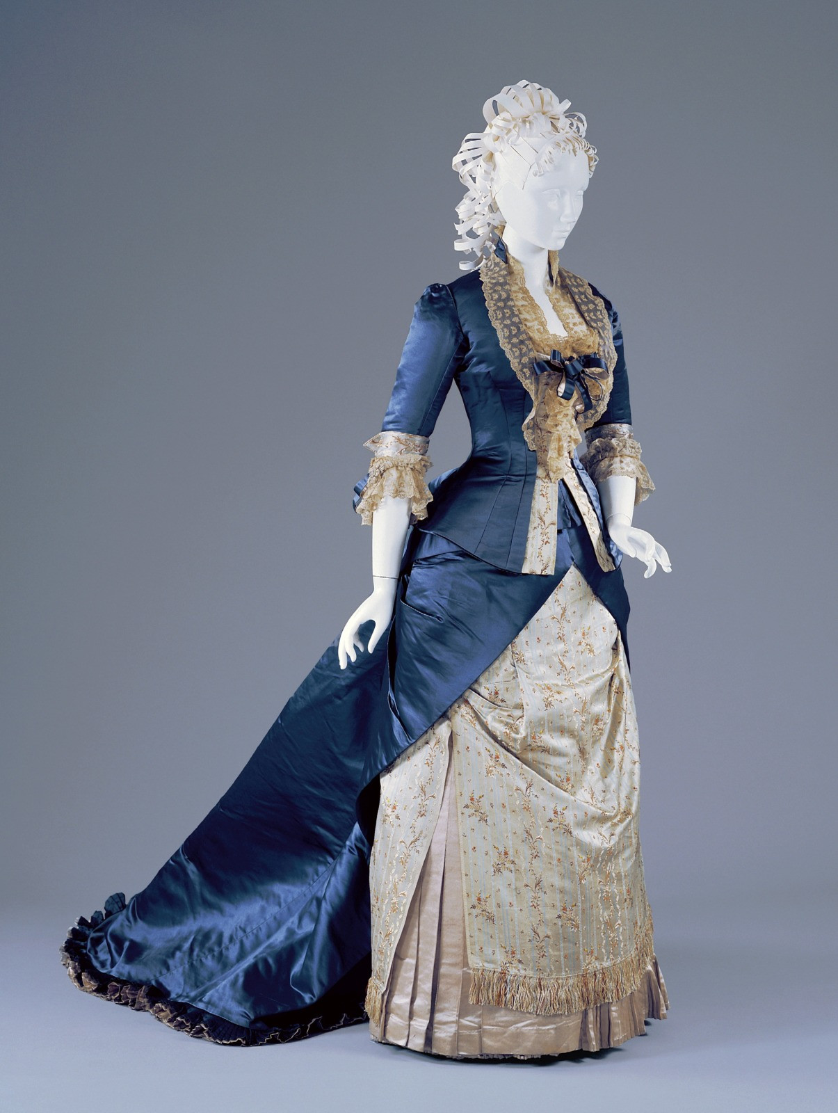 1878. Reception Dress. Silk, linen. cincinnatiartmuseum
