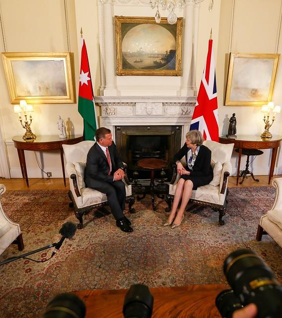 جلالة الملك عبد الله الثاني يلتقي رئيسة الوزراء البريطانية، تيريزا ماي