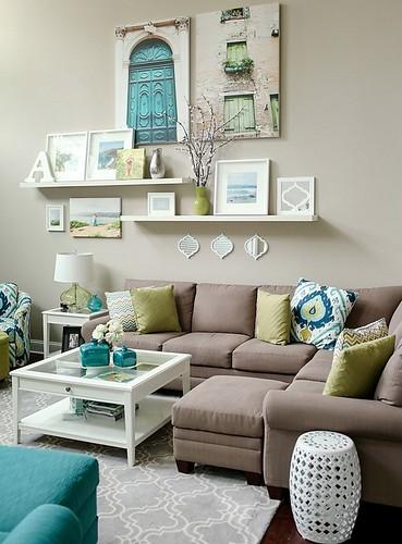 beautiful-decorating-living-room-sectional-sofa-wall-decor
