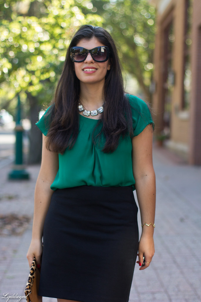 green blouse, black pencil skirt, leopard clutch-4.jpg