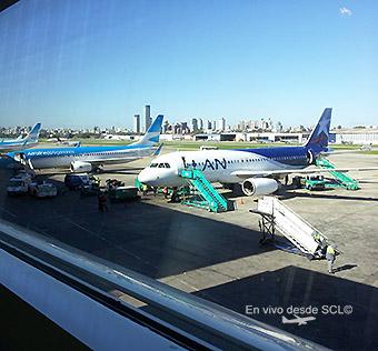 Aerolíneas B737-800 y LAN A320 (Gaston Doval)