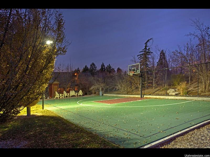 Своя баскетбольная площадка