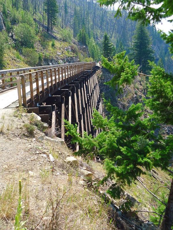 跟着儿子家去旅游-BC迈拉峡谷铁道吊脚桥
