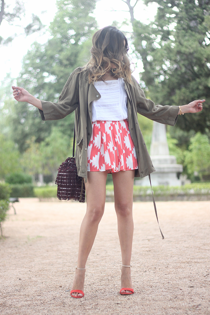 Green Parka White Top Pepe Jeans Shorts Coral Sandals Heels Outfit04