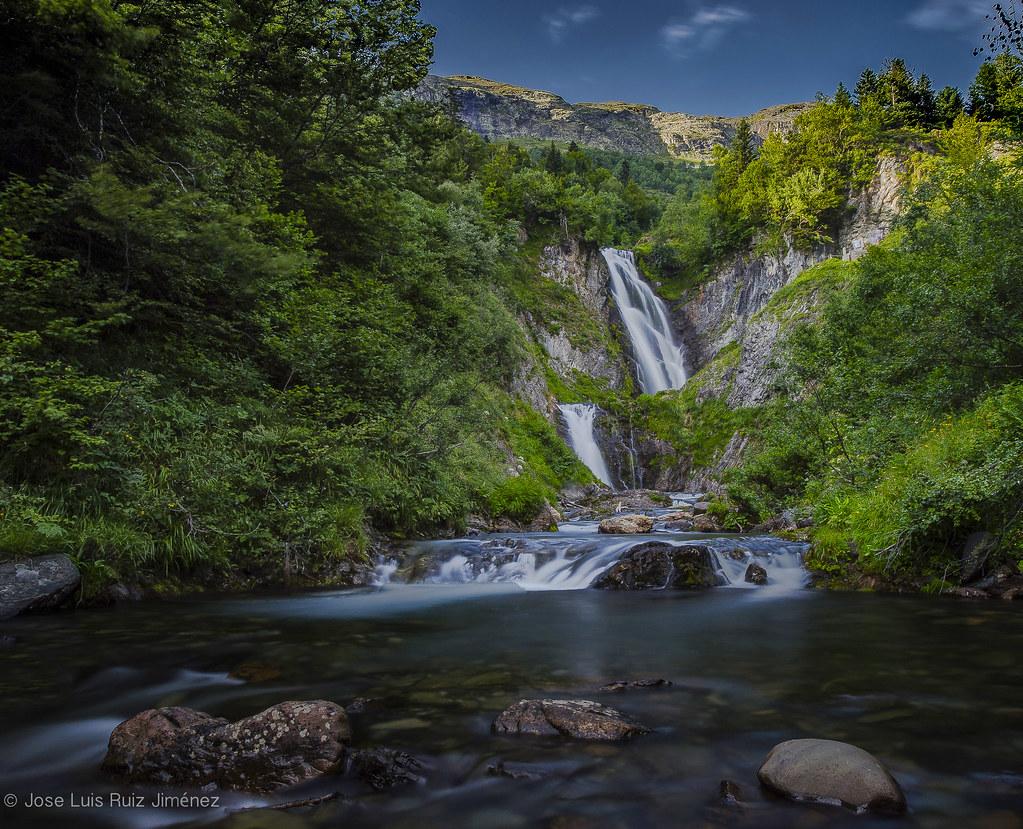 Valle de ar n provincia de l rida catalu a around - Inmobiliaria valle de aran ...