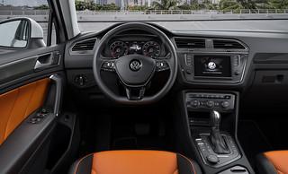 2016 VW Tiguan R-Line - 06