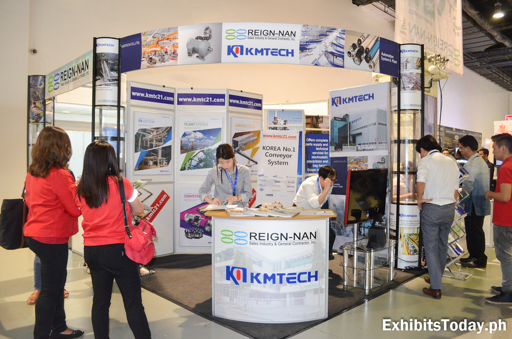 KMTech Exhibit Booth