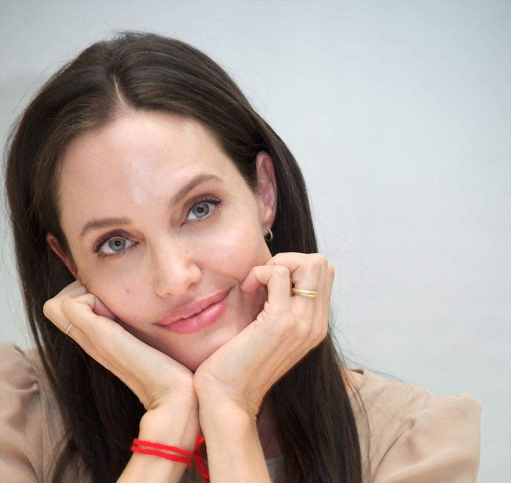 Анджелина Джоли — Пресс-конференция «Лазурный берег» 2015 – 18