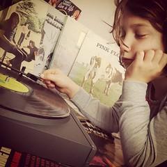 #1pic1day tvcv #1  Le vinyle revisité  Première photo de la série un photo par jour.  Un mois. C'est l'un des 180 changements. #vinyle #vintage #child #changerdevie