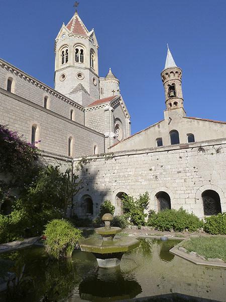 monastere 1