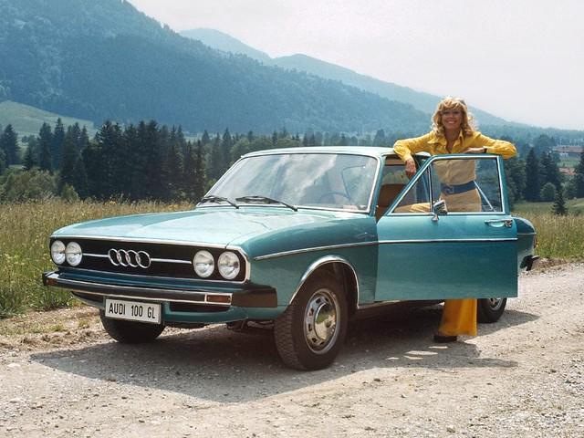 Седан Audi 100 C1. 1973 – 1976 годы