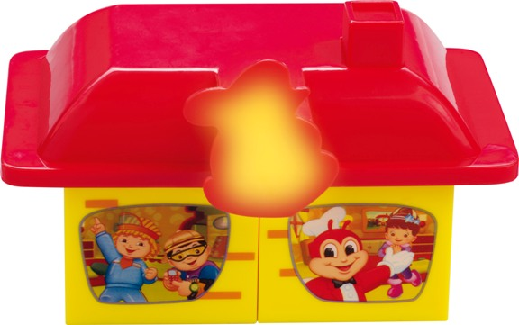 Jollibee Kids Meal Makes Christmas Merrier with Jollitown Build and Craft Blocks