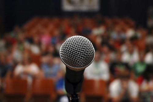 berbicara di depan umum