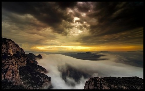 sunset sun fog sunrise atardecer alba catalonia amanecer montserrat catalunya nebbia mont niebla monastero monti montes monasteir