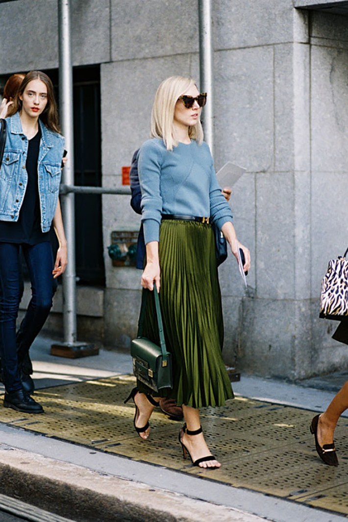 pleated skirts midi streetstyle outfit inspiration2