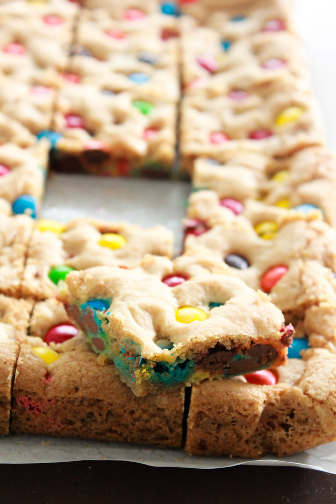 CHEWY M&M COOKIE BARS