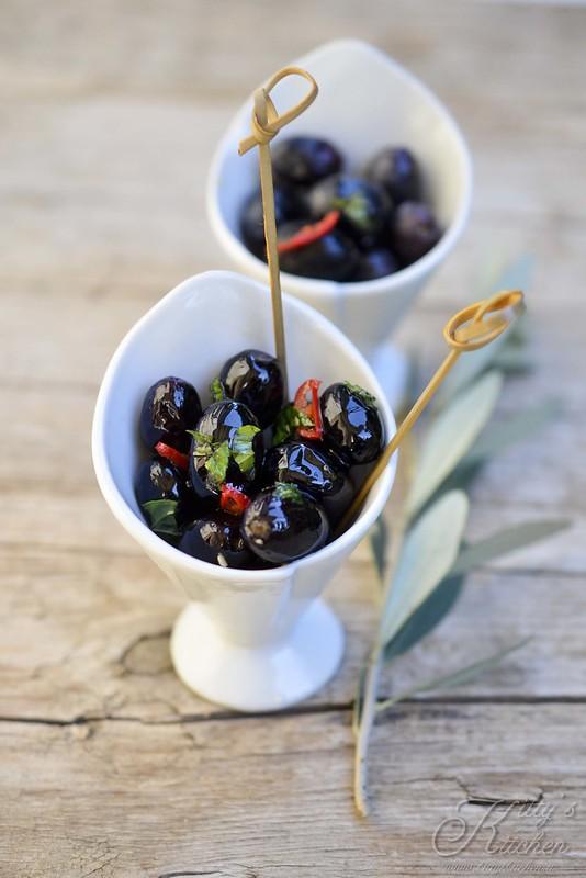Conservare le olive nere sotto sale