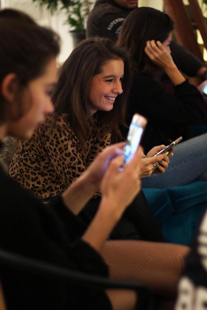 05_Samsung_Galaxy_S7_Edge_Pink_Edición_Limitada_Carcasa_Swarovski_SMARTgirl_Paula_Echevarría_Theguestgirl_blogger_barcelona