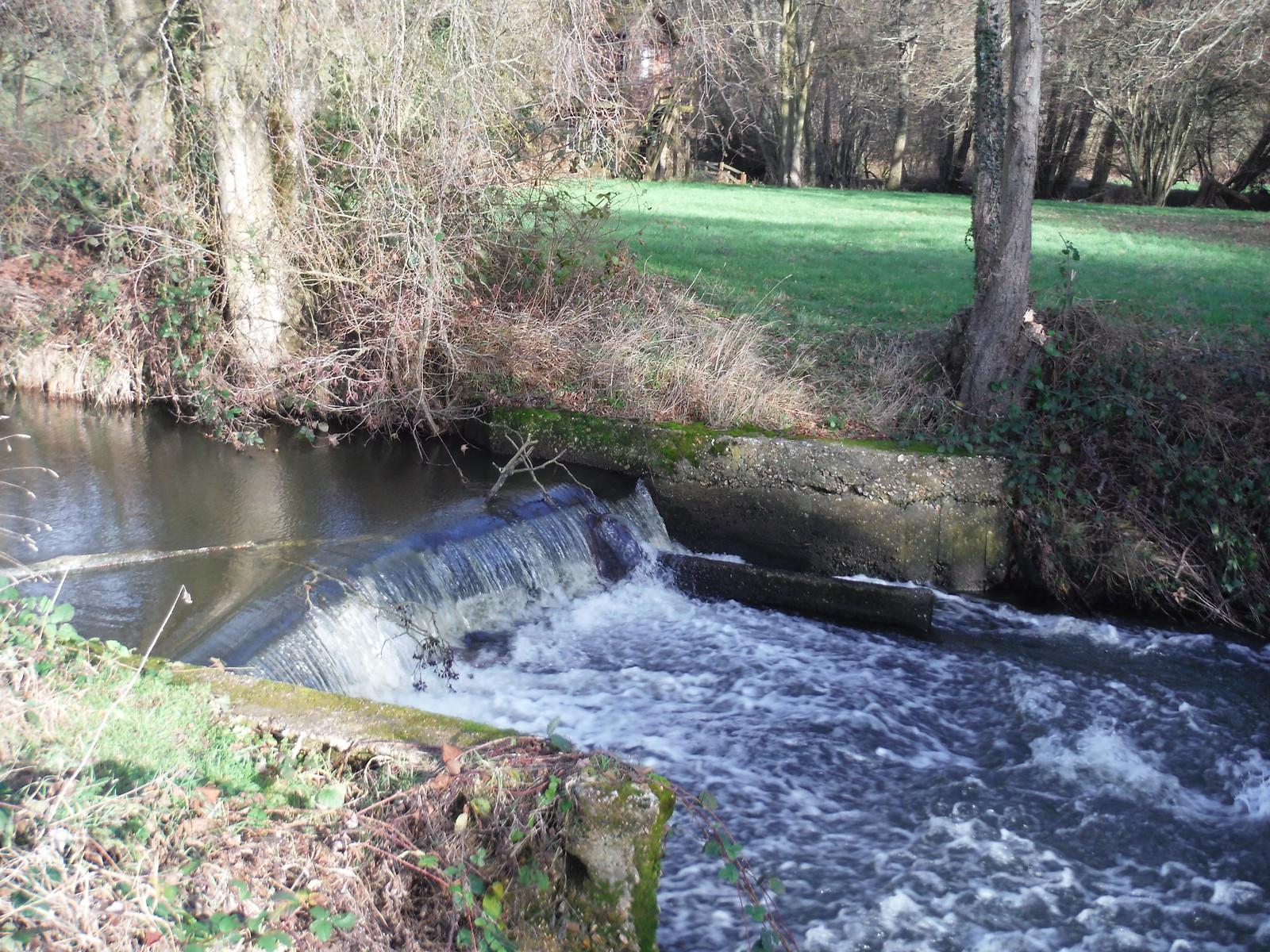 River Enborne, cascade SWC Walk 34 Newbury Racecourse to Woolhampton (Midgham Station)