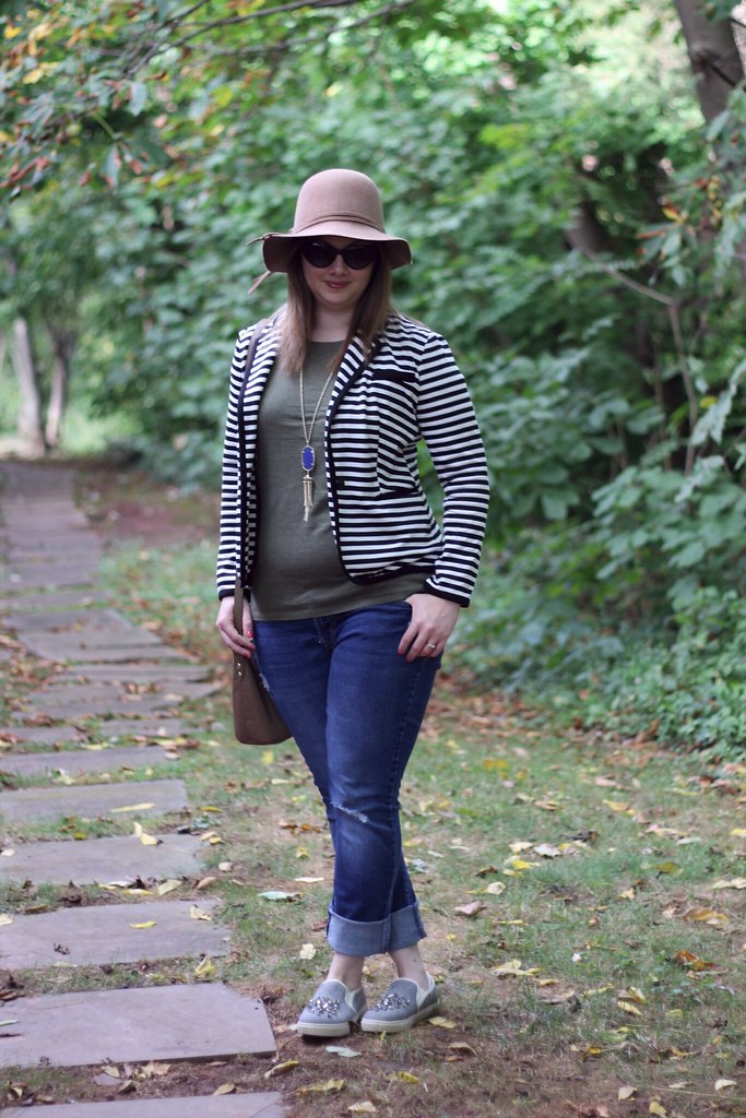 Onno Tee and striped blazer (1)