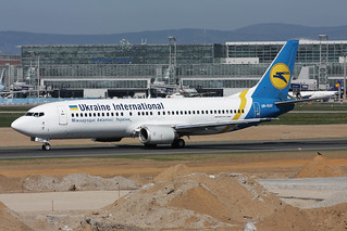 Ukraine International Airlines - UIA Boeing 737-4C9 UR-GAV