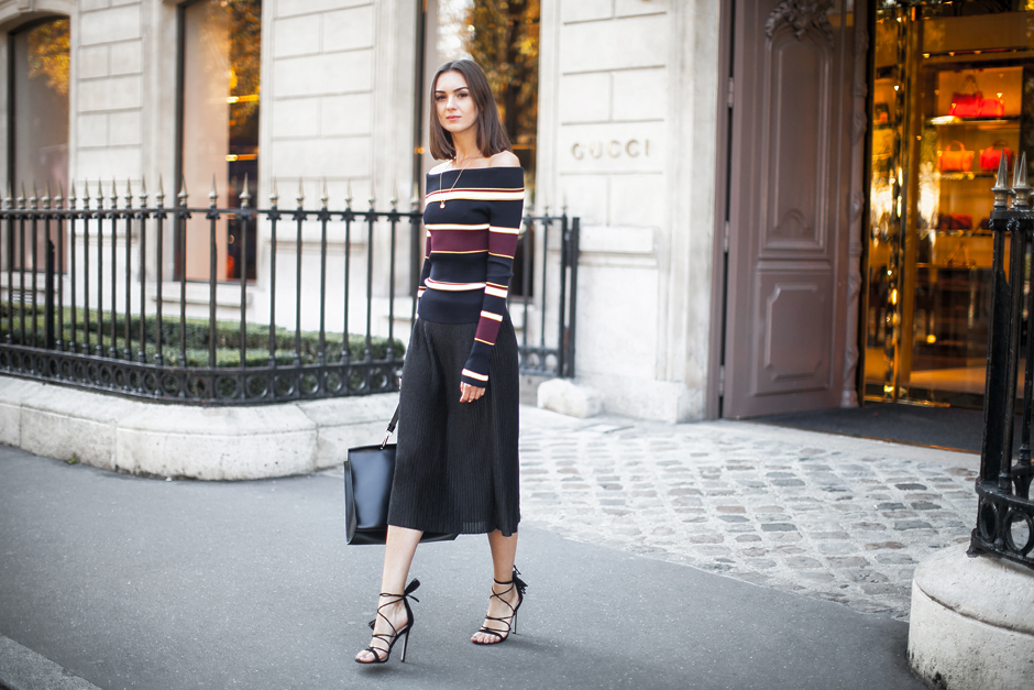 fashion-look-blogger-black-pleated-skirt-outfit
