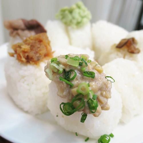 お米に合わせて、具材にもこだわり。米の産地と同じ素材を。