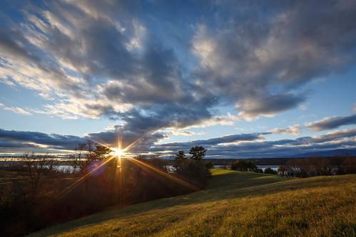 sunset newyork hudsonriver rollinghills hudsonvalley lateautumn poetswalkpark rhinebackny