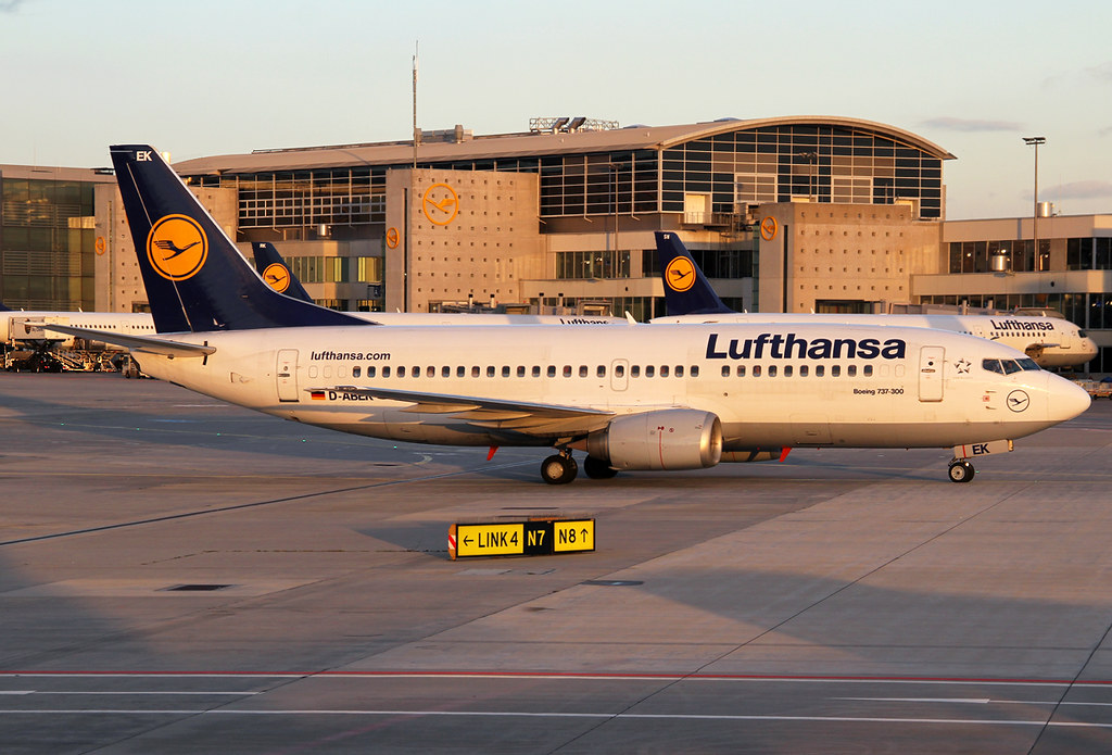 On the way to the stand in the very last light of the day. Quiet literally since all 737's in Lufthansa's fleet will be phased out whitin the next year. Delivered 11/1991.