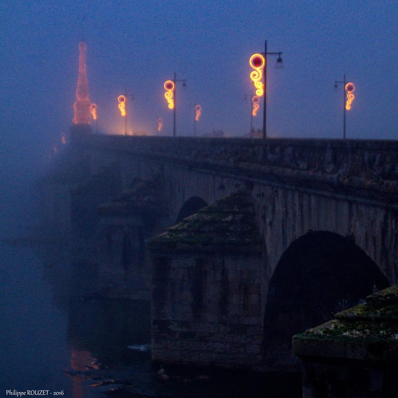 Pont Jacques-Gabriel - Blois - Loire & Cher - France