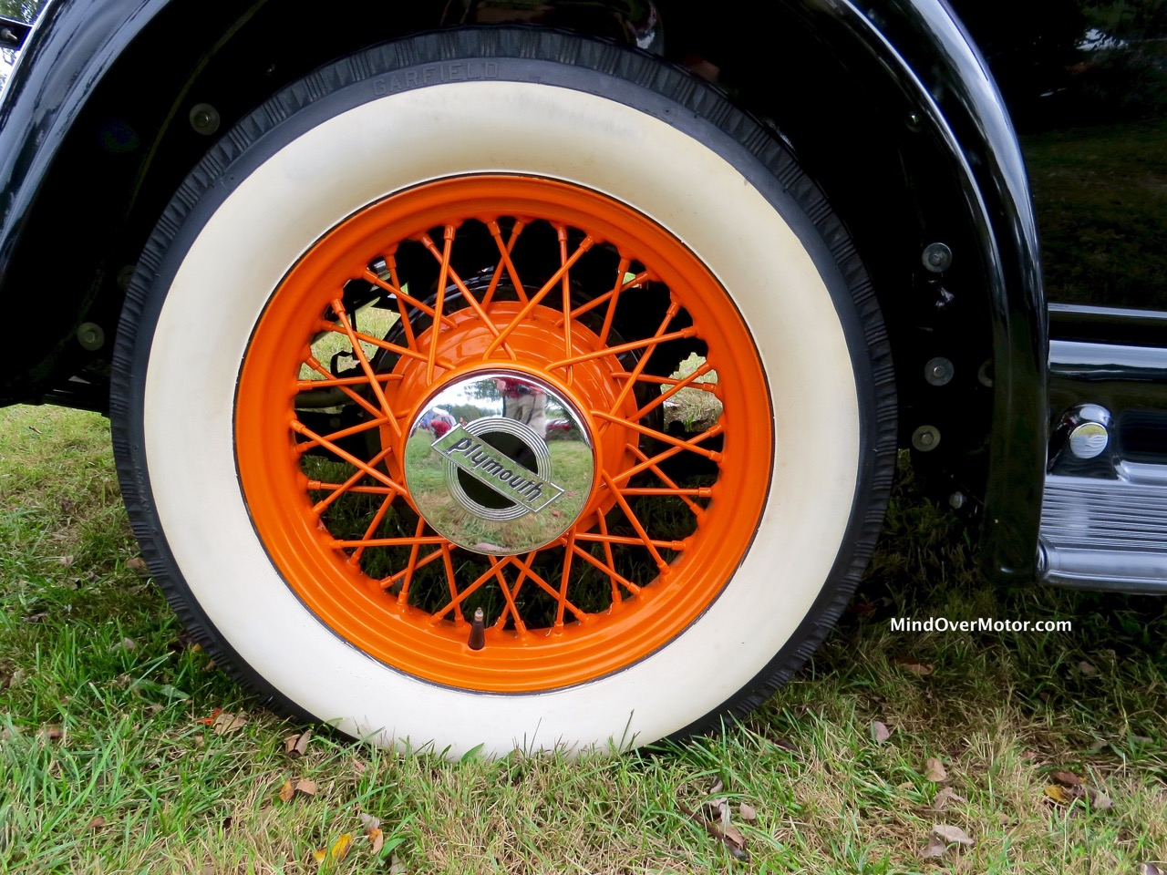 1932 Plymouth P8 Roadster Wheel