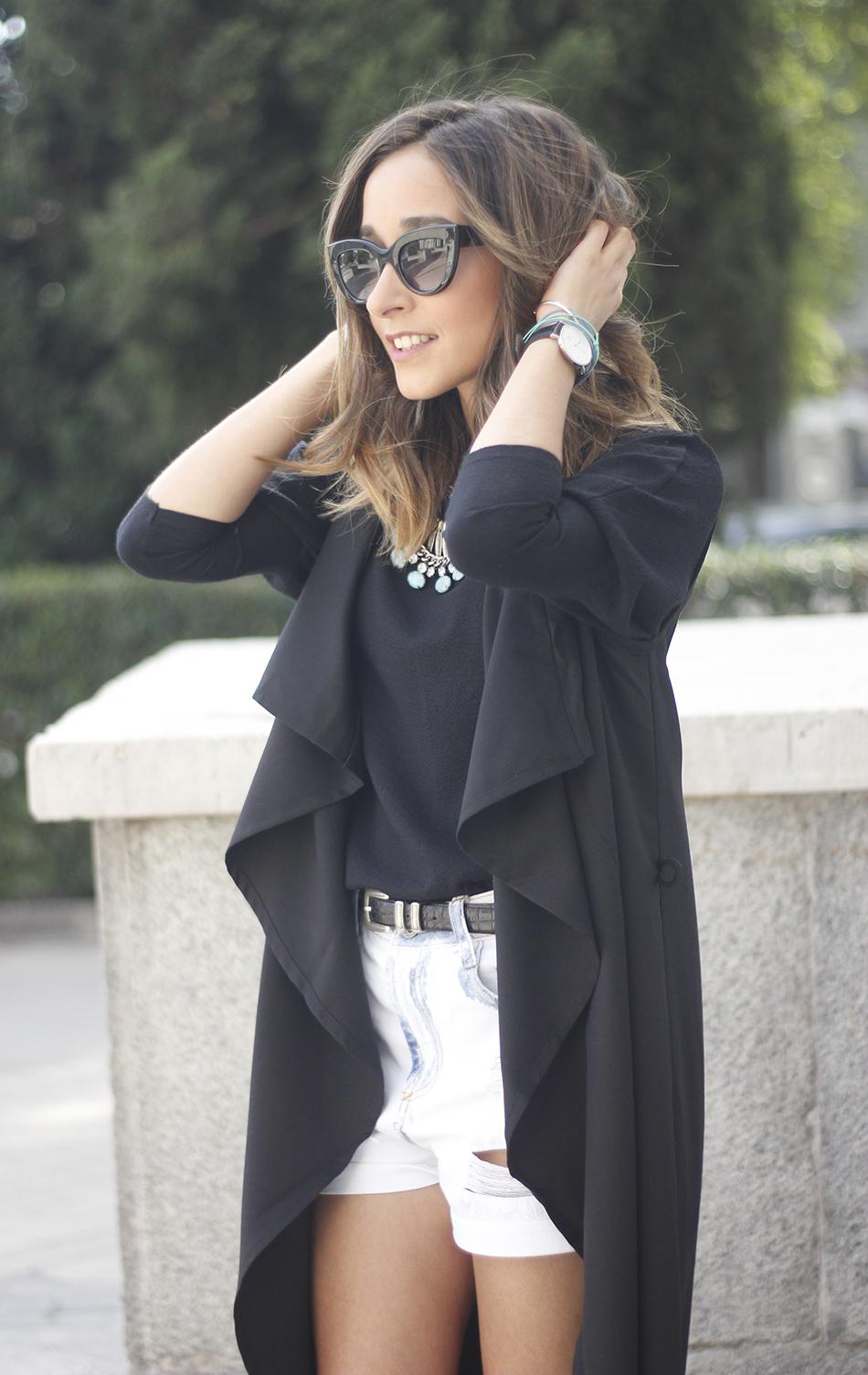 Black Vest Sheinside Shorts Outfit04