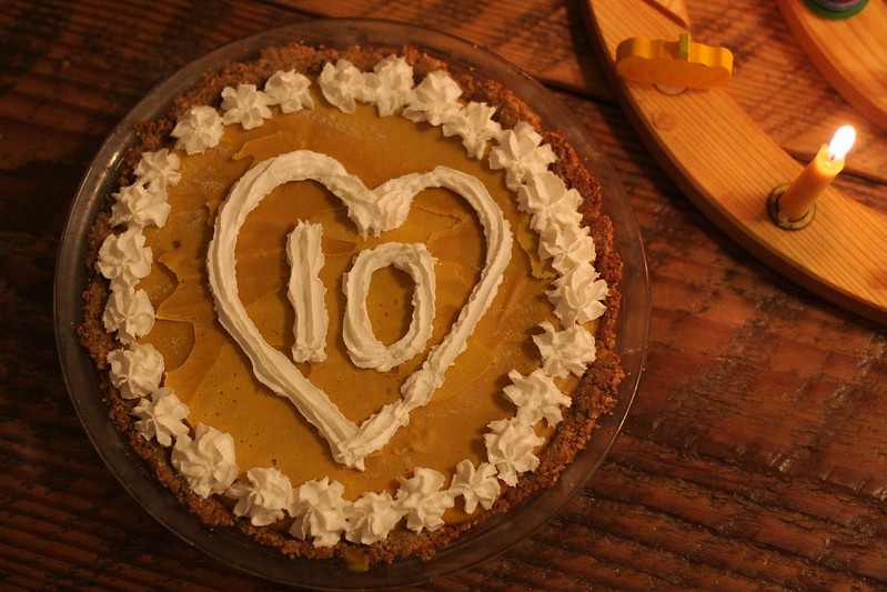 "Birthday ""cake"" raw vegan pumpkin maple pie from Oh She Glows"
