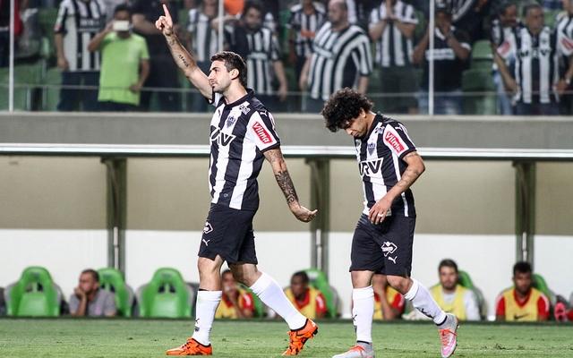 Leandro Donizete e Victor analisam prov�vel sa�da de Pratto do Atl�tico/MG