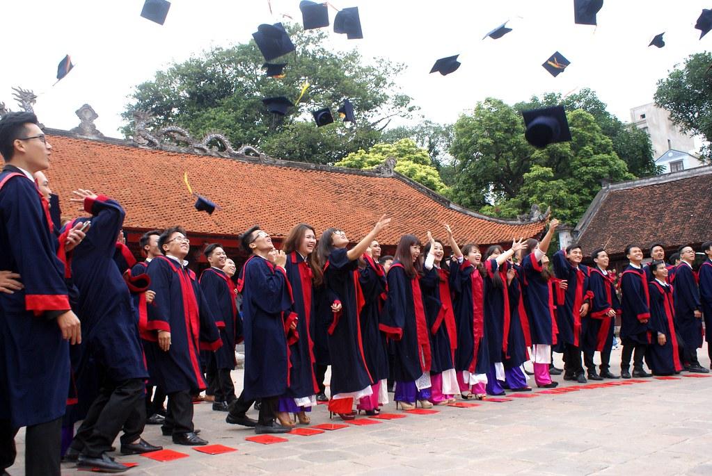 Le temple de la littérature est toujours le lieu de célébration de son diplôme pour les étudiants d'Hanoi.