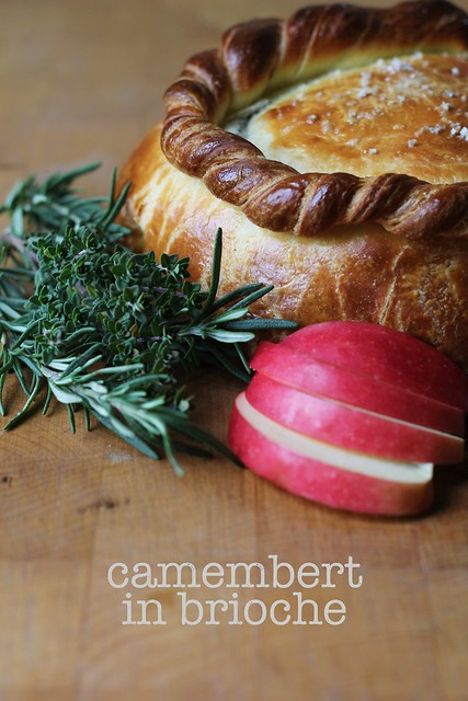 camembert in brioche