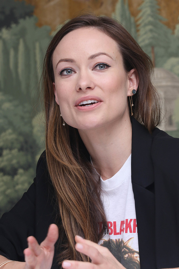 Оливия Уайлд — Пресс-конференция «Винил» 2015 – 18