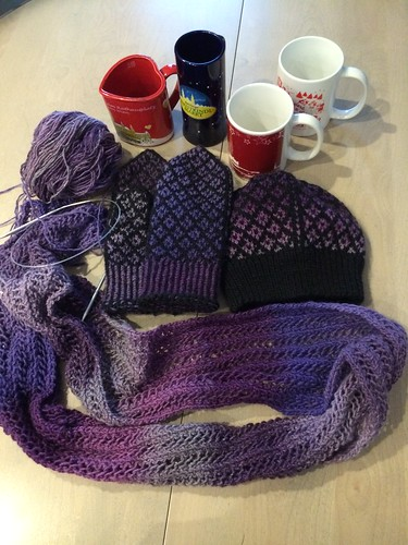 Christmas Market knitting