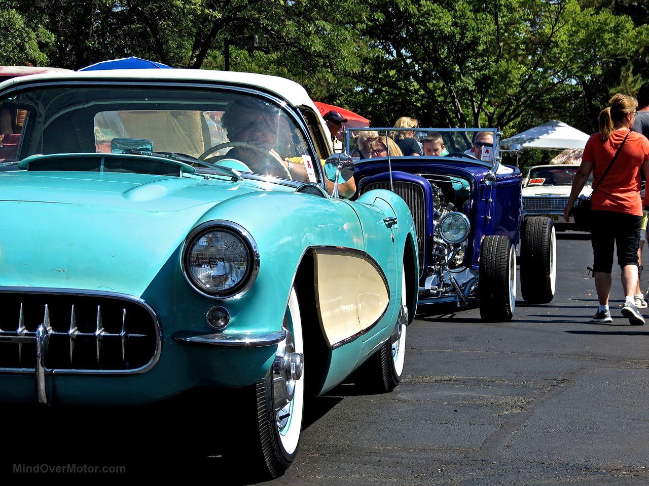 Chevy Corvette C1 Lead East 1
