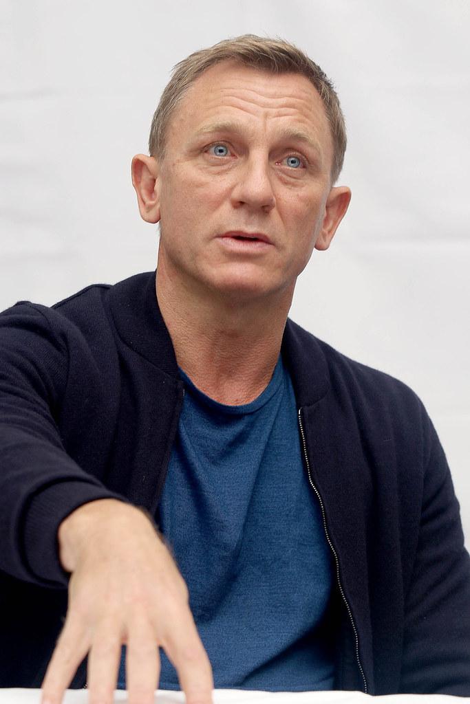 Дэниел Крэйг — Пресс-конференция «007: СПЕКТР» 2015 – 21