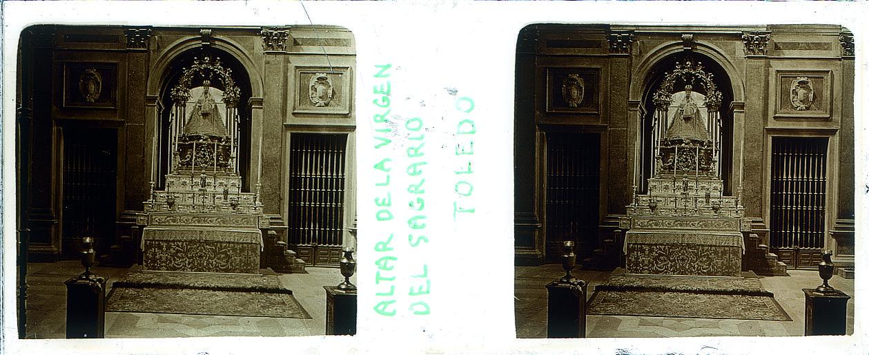 Virgen del Sagrario hacia 1910. Fotografía de Arturo Cerdá y Rico © Centro de Estudios Giennenses, Diputación de Jaén