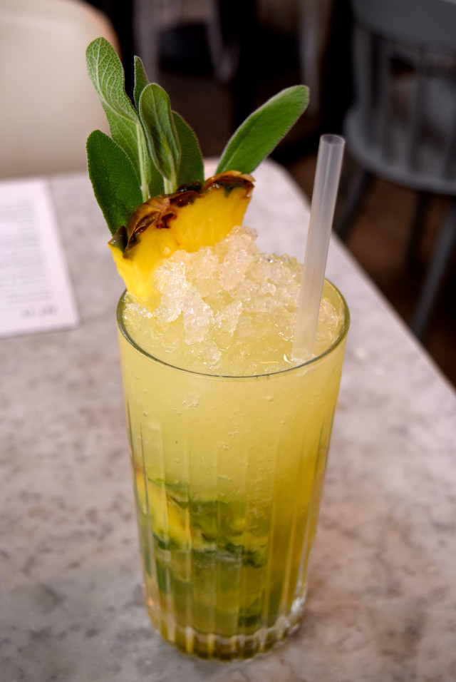 Pineapple & Sage Mojito at No. 11 Pimlico Road, London | www.rachelphipps.com @rachelphipps