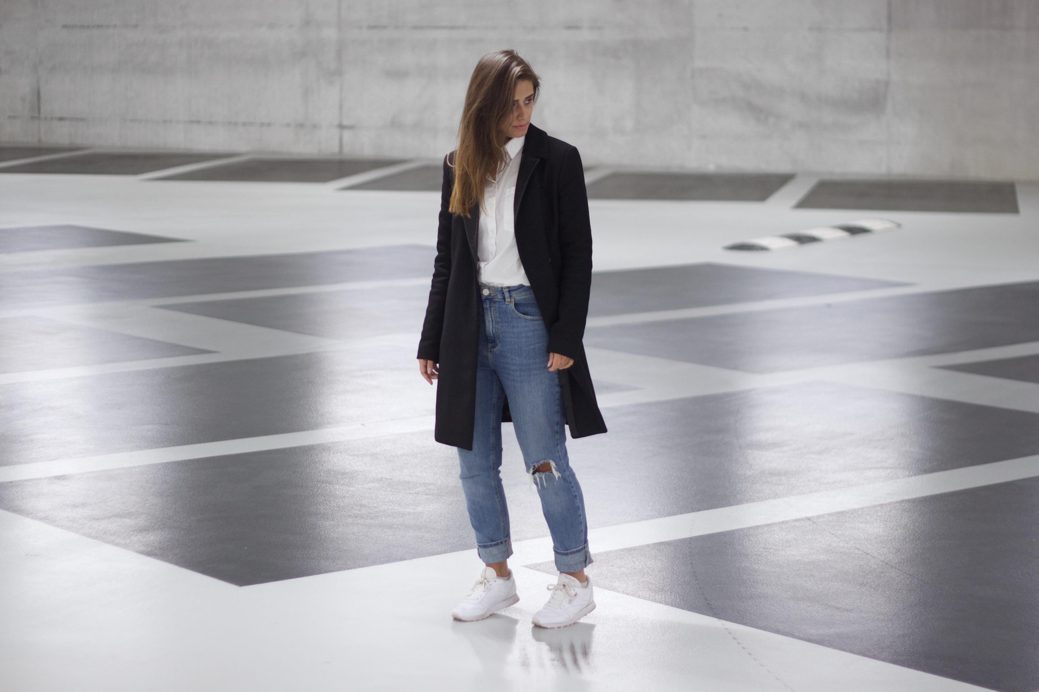 Long-coat-blouse-essentials-minimal-simplicity-basic